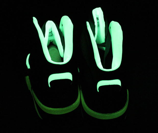 Nike - Air Force 180 'Glow'
