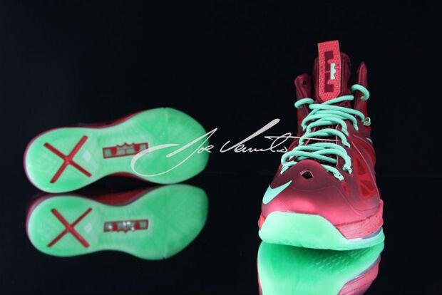 Nike - LeBron X 'Christmas'