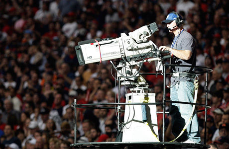 Operador de cámara durante un evento deportivo./ Getty