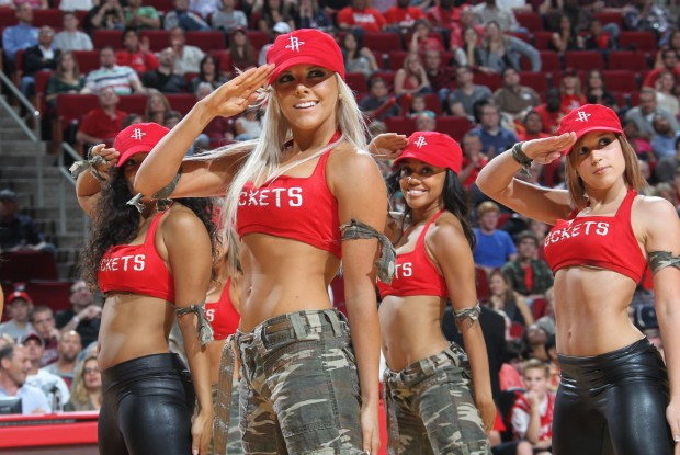 Houston Rockets Dancers./ Getty Images