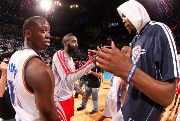 Kevin Durant y James Harden./ Getty Images