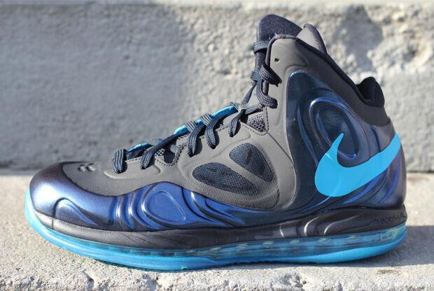 Nike – Hyperposite 'Dark Obsidian/Dynamic Blue'