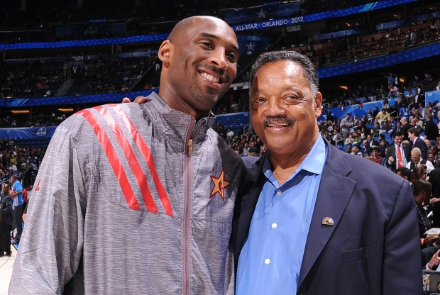 Kobe Bryant y Jesse Jackson./ Getty Images