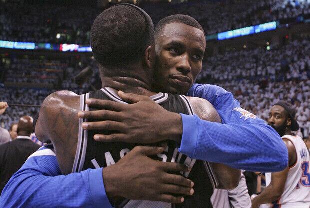 Stephen Jackson y Serge Ibaka./ Getty Images