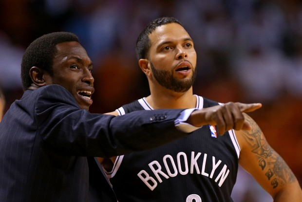 Avery Johnson y Deron Williams./ Getty Images