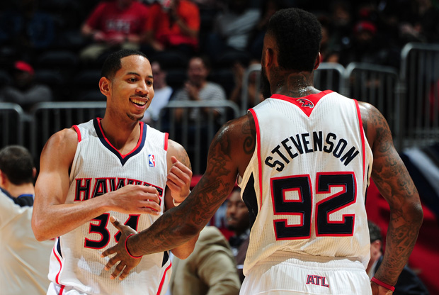 Devin Harris y DeShawn Stevenson./ Getty Images