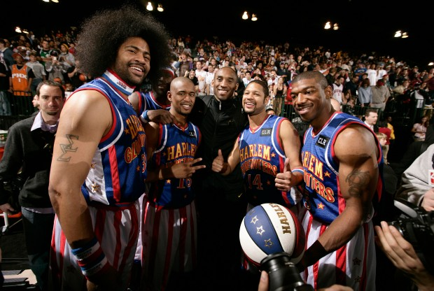 Harlem Globetrotters y Kobe Bryant./ Getty Images