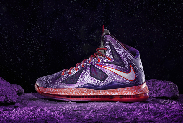 Nike – LeBron X