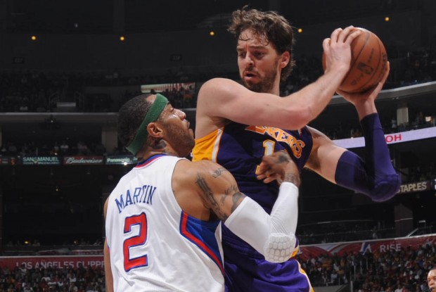 Kenyon Martin y Pau Gasol./ Getty Images
