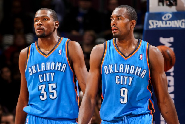Kevin Durant y Serge Ibaka./ Getty Images