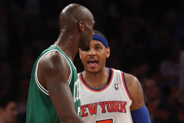 Carmelo Anthony y Kevin Garnett./ Getty Images