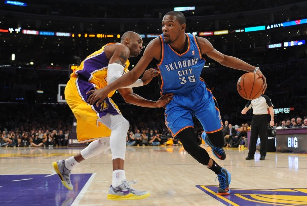 Kevin Durant  y Kobe Bryant./ Getty Images