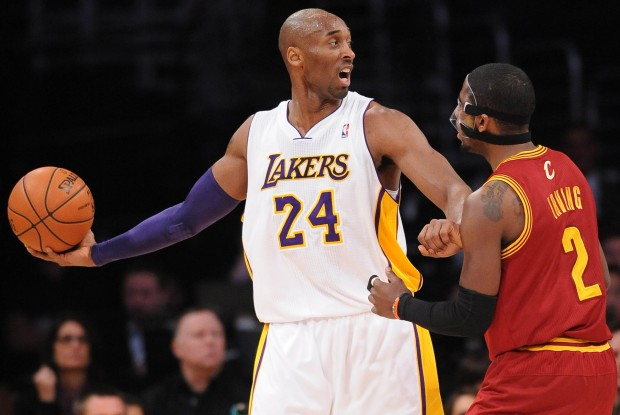 Kobe Bryant y Kyrie Irving./ Getty Images
