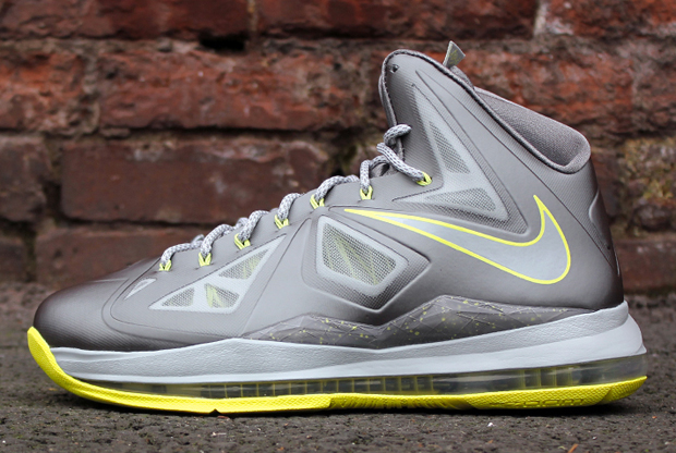 Nike - LeBron X 'Canary'