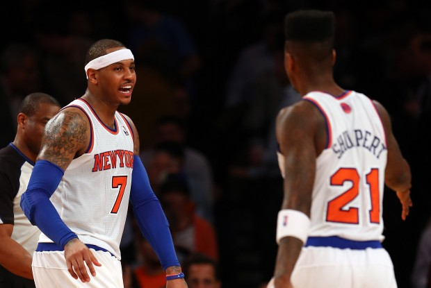 Carmelo Anthony felicita a Iman Shumpert./ Getty Images
