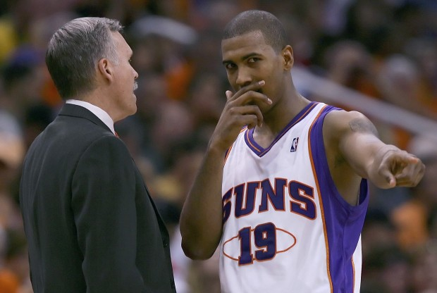 Mike D'Antoni y Raja Bell./ Getty Images