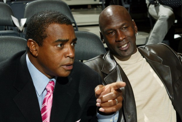Ahmad Rashad y Michael Jordan./ Getty Images