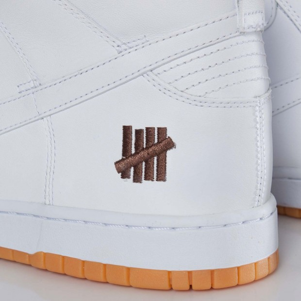 Nike - Dunk Hi 'Bring Back by Undefeated'