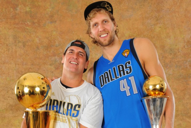 Mark Cuban y Dirk Nowitzki./ Getty Images