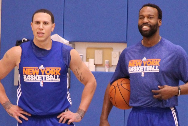 Mike Bibby y Baron Davis./ Getty Images