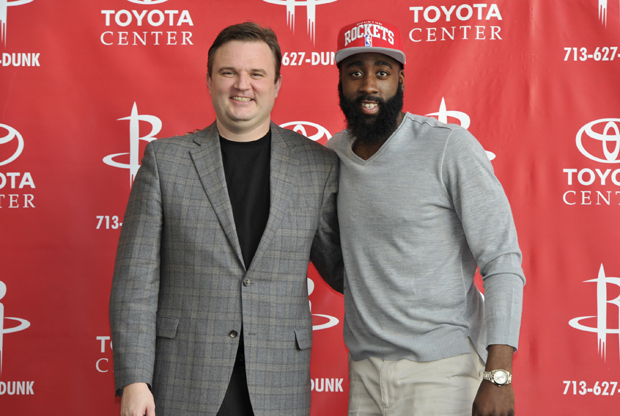 Daryl Morey y James Harden./ Getty Images