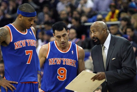 Carmelo Anthony, Pablo Prigioni y Mike Woodson./ Getty Images