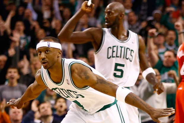 Jason Terry celebra su canasta ganadora./ Getty Images