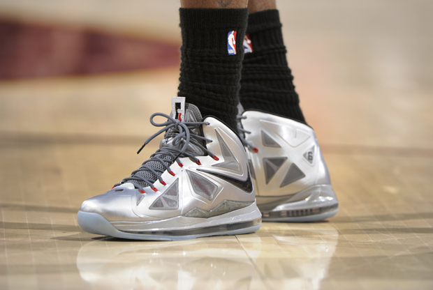 Nike - LeBron X 'Silver'