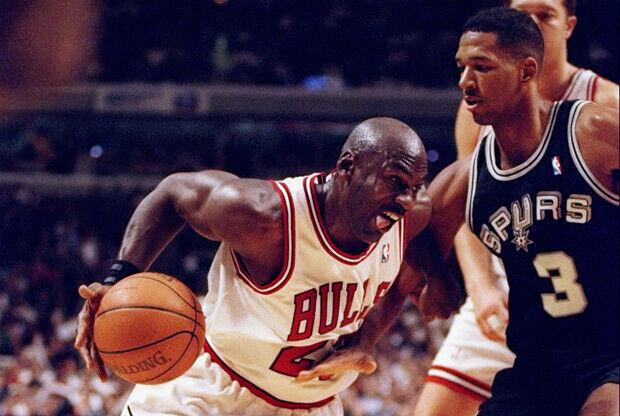 Michael Jordan y Monty Williams./ Getty Images
