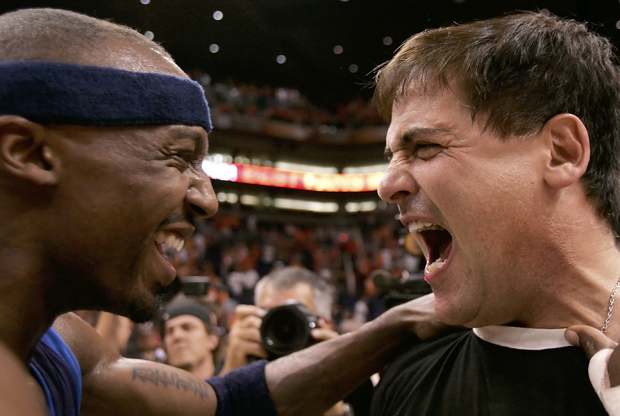 Jason Terry y Mark Cuban./ Getty Images