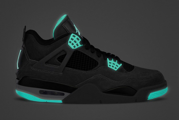 Air Jordan - IV 'Green Glow'