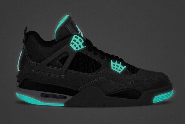 Air Jordan - IV 'Green Glow'