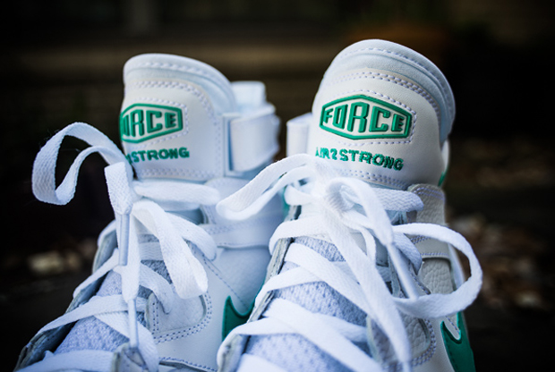Nike - Air Max 2 Strong 'White/Violet Force-Atomic Teal'