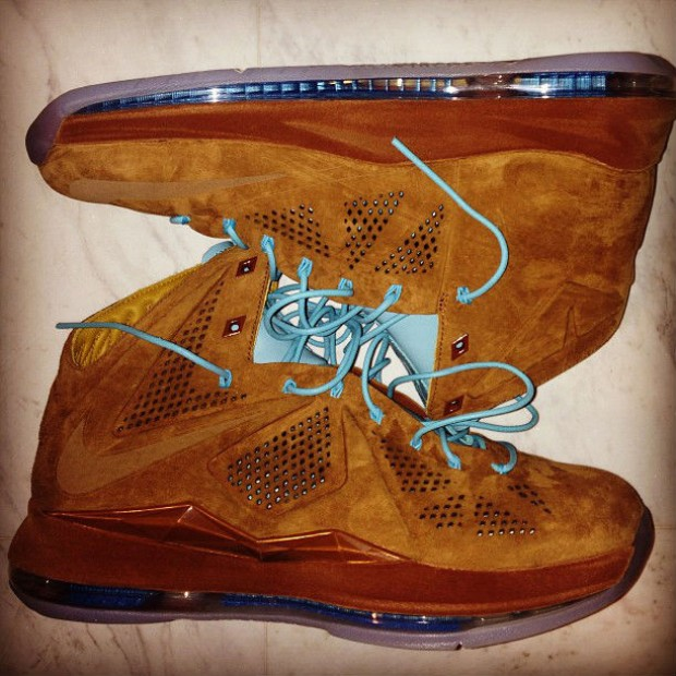 Nike - LeBron X 'Brown Suede'