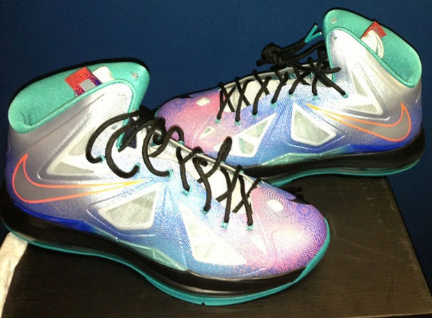Nike - LeBron X 'Platinum'