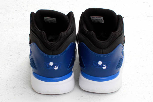 Reebok - Pump Omni Lite 'Black/Dark Royal'