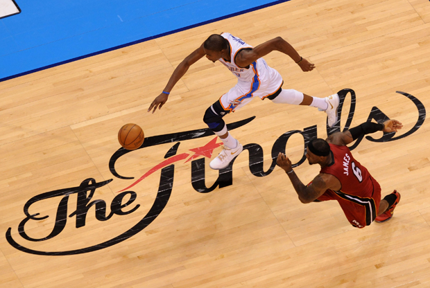 Kevin Durant y LeBron James./ Getty Images