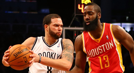 Deron Williams y James Harden./ Getty Images