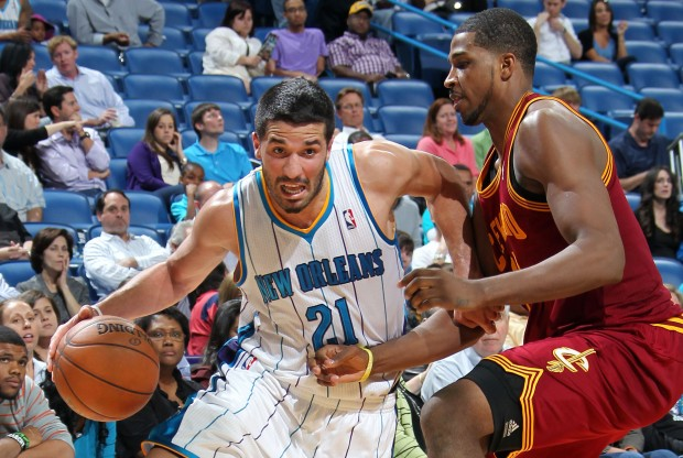 Greivis Vásquez penetra ante la defensa de Cleveland./ Getty Images