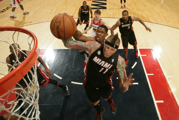 Chris Andersen captura el rebote./ Getty Images