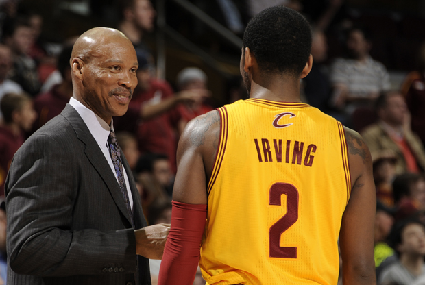 Byron Scott y Kyrie Irving./ Getty Images