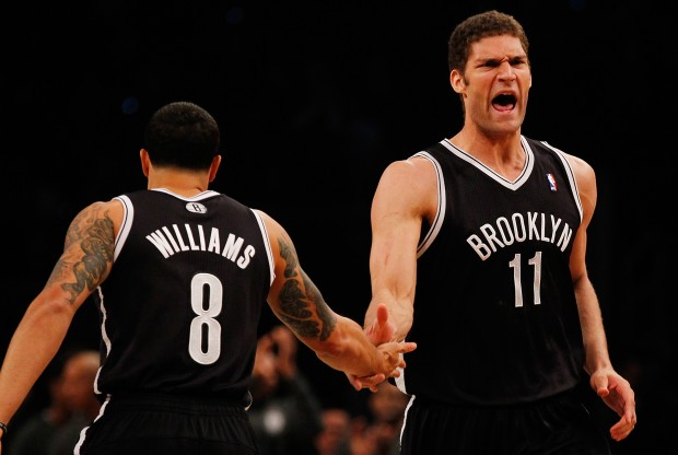 Deron Williams y Brook Lopez./ Getty Images