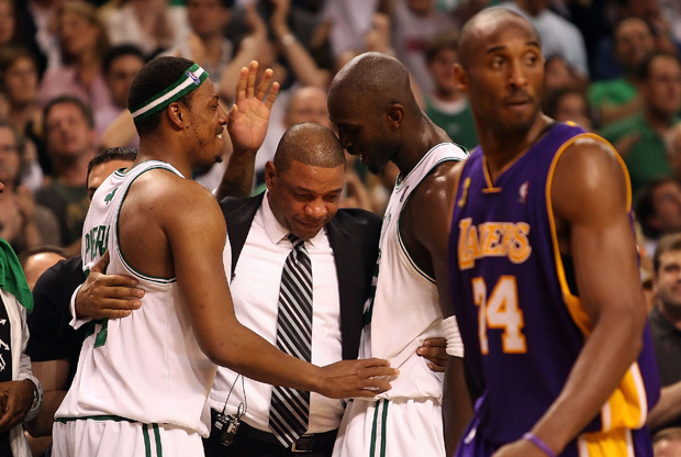 Paul Pierce, Doc Rivers, Kevin Garnett y Kobe Bryant./ Getty Images