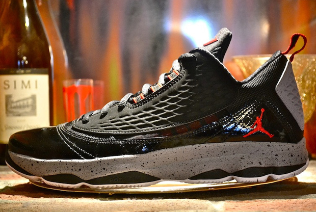 Jordan - CP3 VI 'AE - Black/Gym Red-Cement Grey'