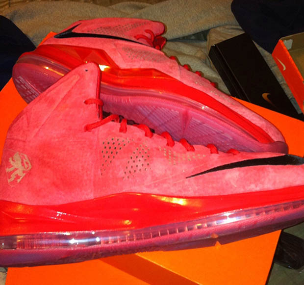 Nike - LeBron X 'Red Suede'