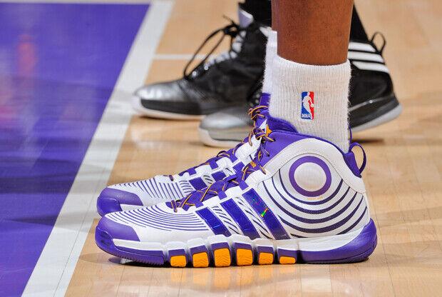 Adidas – D-Howard Light 2 'Lakers Home'
