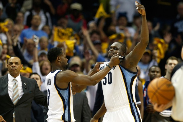 Tony Allen y Zach Randolph celebran la victoria./ Getty Images