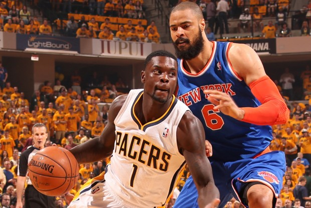 Lance Stephenson rebasa por velocidad a Tyson Chandler./ Getty Images