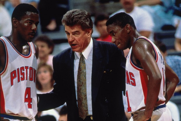 Joe Dumars, Chuck Daly y Isiah Thomas./ Getty Images