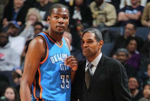 Kevin Durant y Maurice Cheeks./ Getty Images